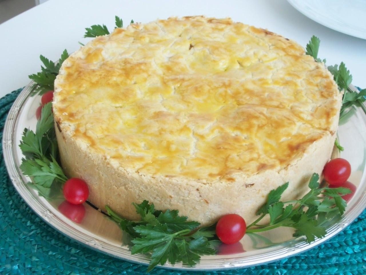 Torta de frango ( recheio cremoso )