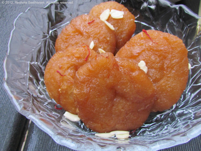 Badusha - Fried flour dumplings in syrup