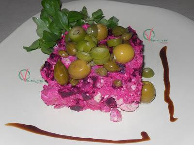 Ensaladilla rosa vegana