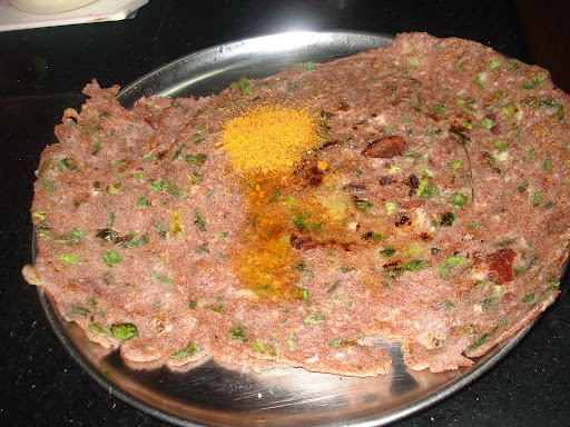Raagi + Spring Onion Rotti