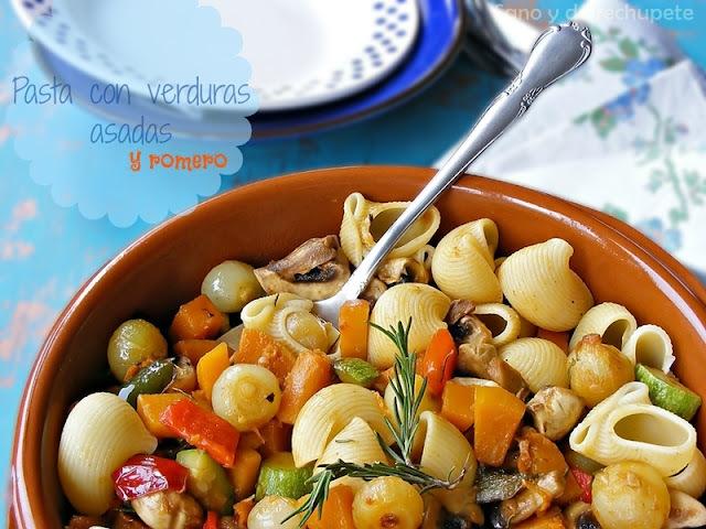 Pasta con verduras asadas y romero