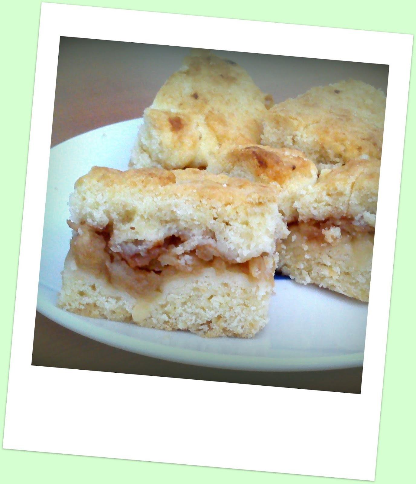 Jablkový koláčik (hrnčekový)