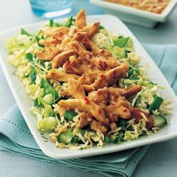 saladas que combinam com peixe assado