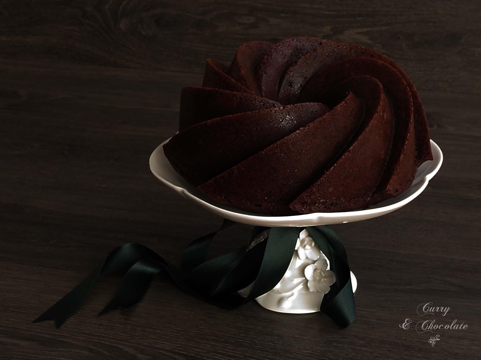 Bizcocho de chocolate y calabacín (con aceite)  - Chocolate zucchini bundt cake