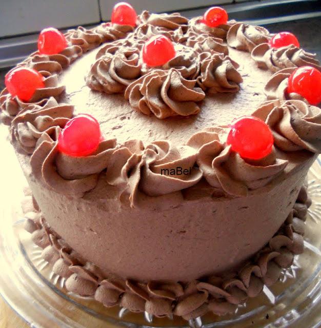 Tarta oscura de chocolate con trufa