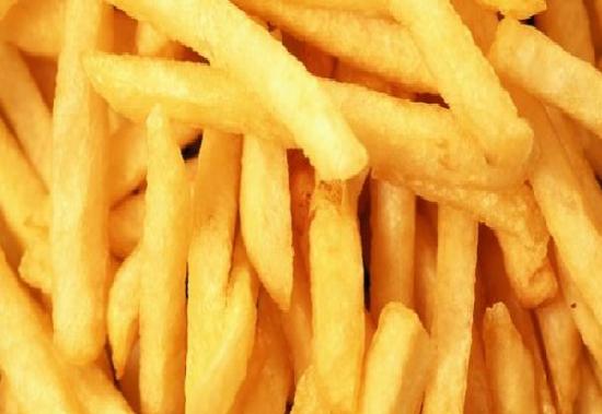 molho para acompanhar batata frita feito com maionese e alho