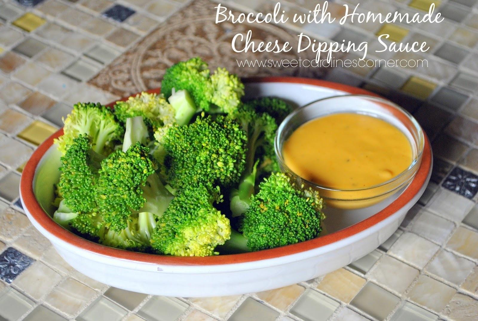 Broccoli with Homemade Cheese Dipping Sauce (Brócolis com Molho Caseiro de Queijo)