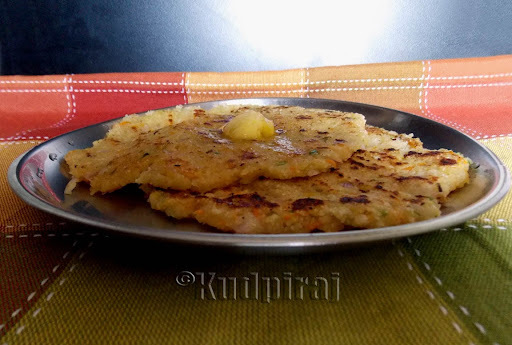Rulaanva Doddak/Bhakri(Sajjige Rotti) with added Carrot and Onion