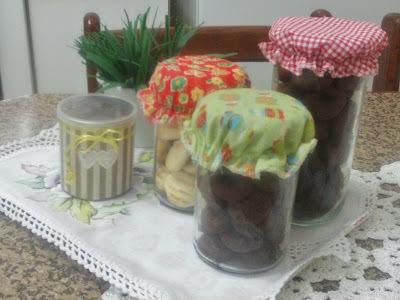 BOLACHINHAS DE CHOCOLATE E NOZES