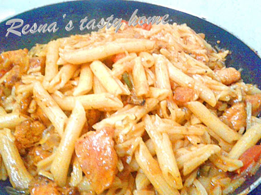 Indian style tomato cheese pasta