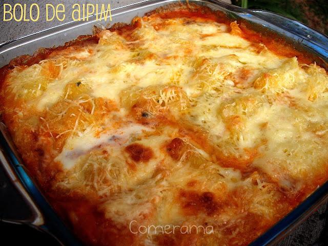 bolo de aipim espremido com queijo parmesao