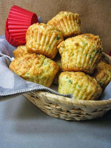 muffini s dimljenim sirom