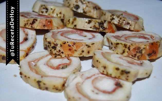 Rollos de Pechuga de pollo rellenas de jamón serrano y queso al horno