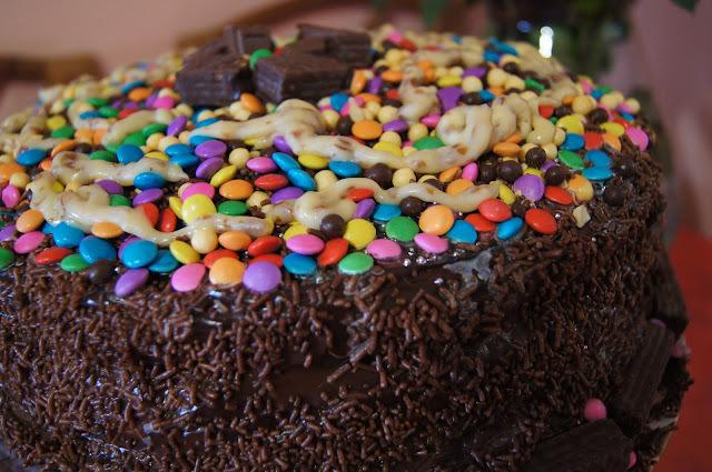 1 Ano do Blog! com Bolo Divertido de Chocolate (segue receita)