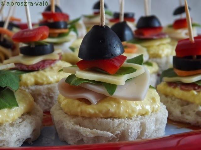 Tojáskrémes szendvicsfalatkák