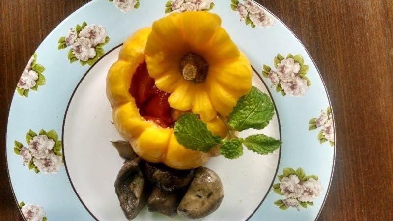 Mini abóboras com confit de tomate , berinjela e cogumelos