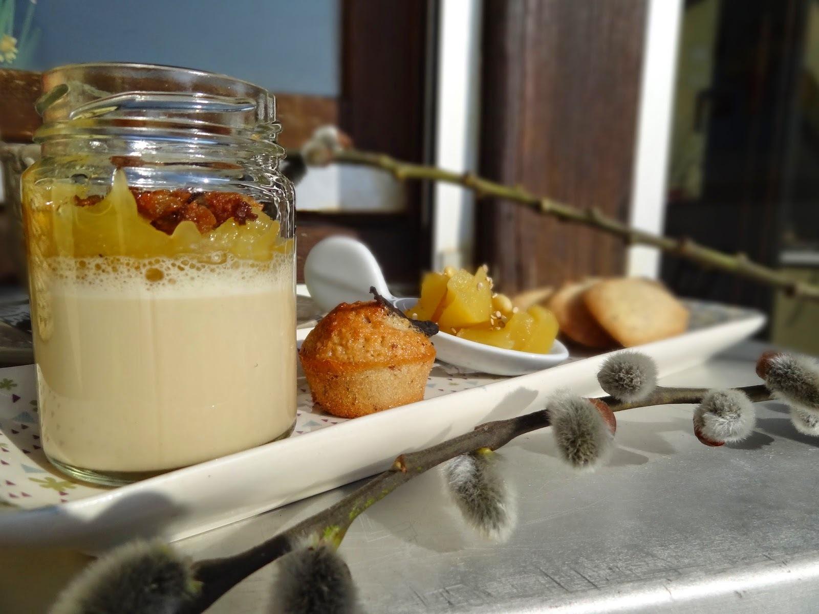 Panacotta dulcey, compotée  pomme et clémentine de Corse, crumble de pain perdu à la châtaigne