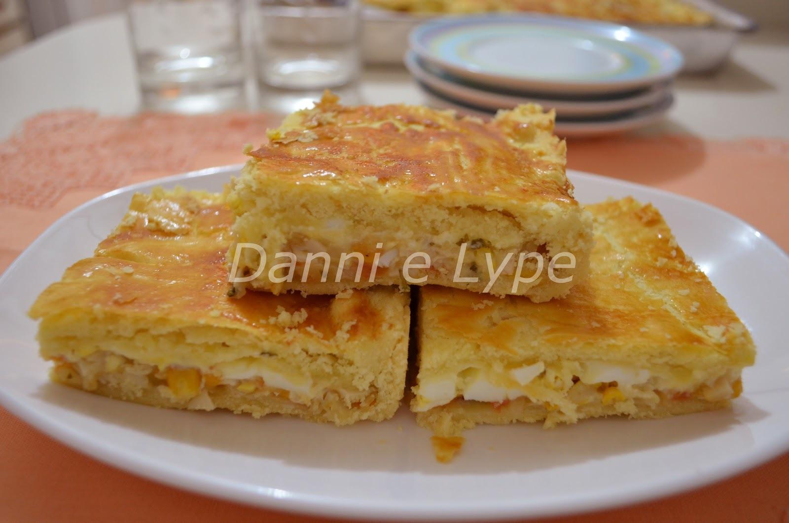 empadão de frango com palmito com farofa