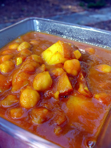 Aloo Channa Gravy for Roti - Potato Chickpeas Combo Curry - Tiffin Sidedish Recipes