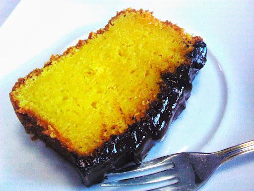 bolo de laranja grande e quadrado