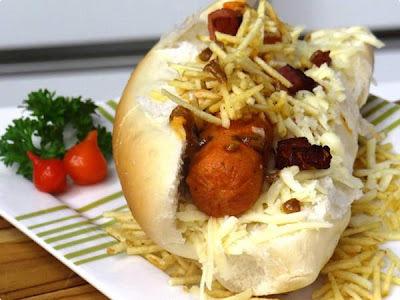 """Hot Dog Mineiro (ganhador do concurso """"O Melhor Cachorro Quente do Brasil"""")"""