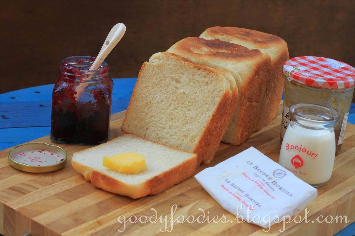 Recipe: Plain White Loaf (Wu Pao Chun Champion Toast 金牌土司)