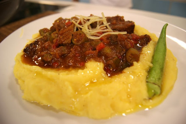 Picadinho de Carne com Quiabo e Polenta