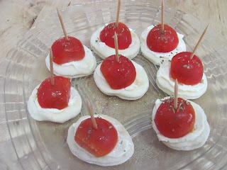 Lanchinho Rápido com Mini Pão Sírio e Tomatinho Cereja