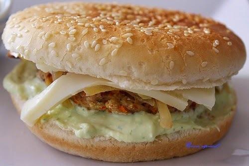 Hamburguesa de pavo con jamón ibérico y verduras