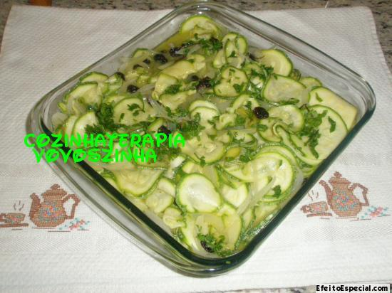 salada abobrinha fatiada
