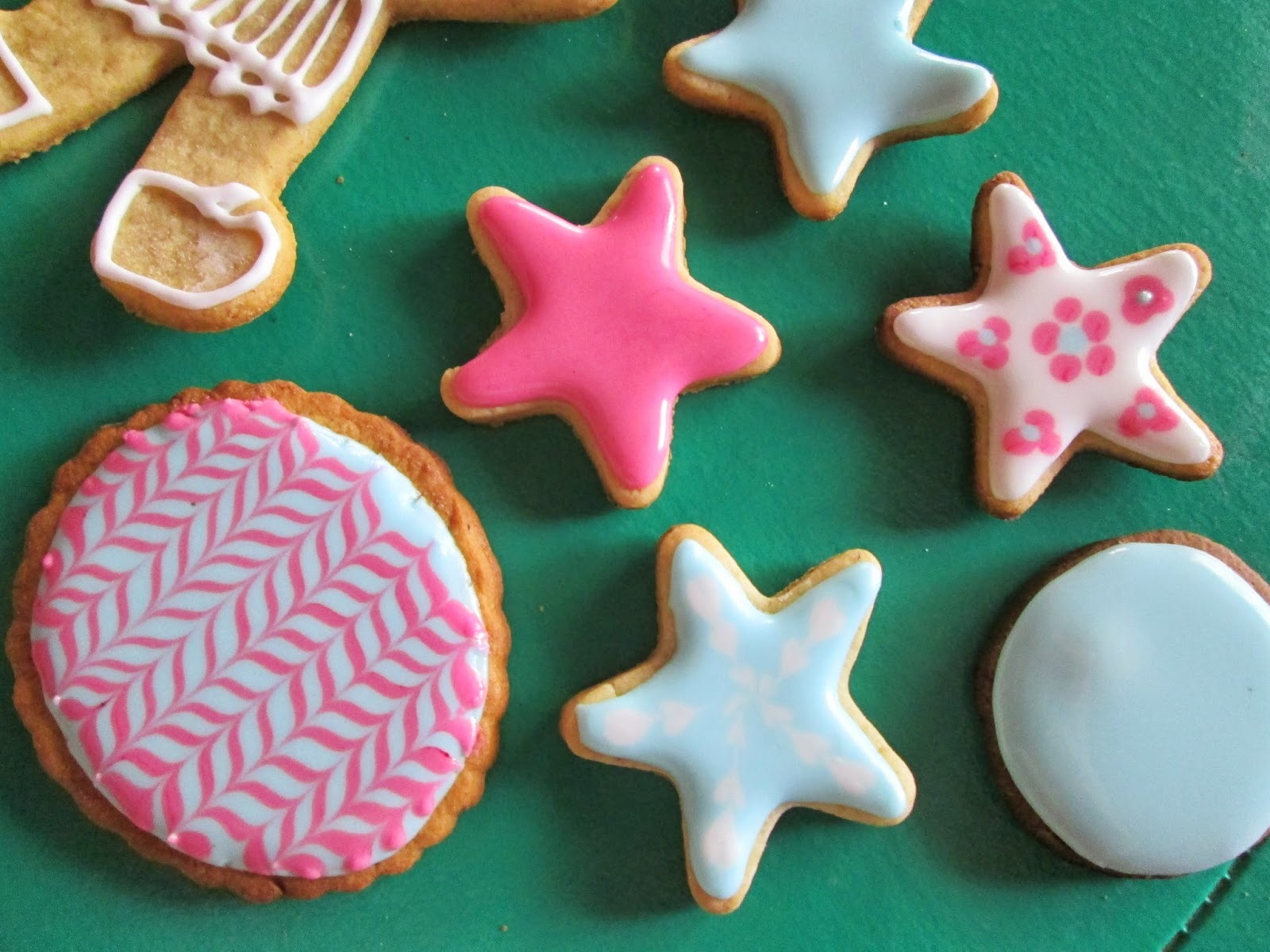 Galletitas decoradas con fondant y glaseado