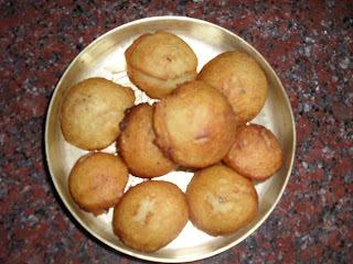Udupi Krishna's Favoutites For Krishna Janmaashtami - Appa - A Sweet Fried Dumpling