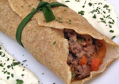 Panqueca Integral com Recheio de Carne Moída e Cenoura