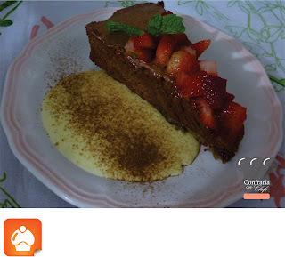 de torta de bolacha com nata batida no liquidificador