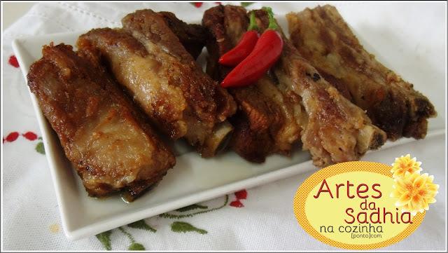 costelinha de porco cozida e frita