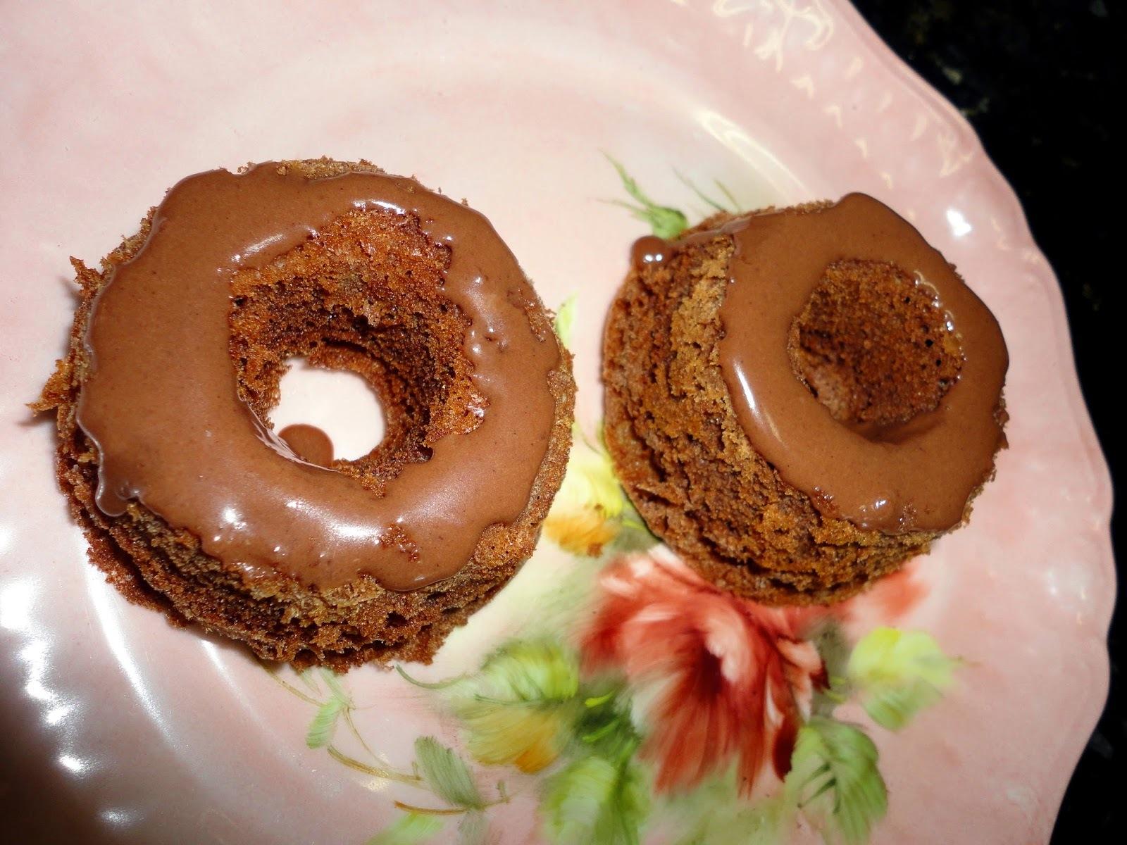 MINI BOLINHOS DE CHOCOLATE E AVELÃ