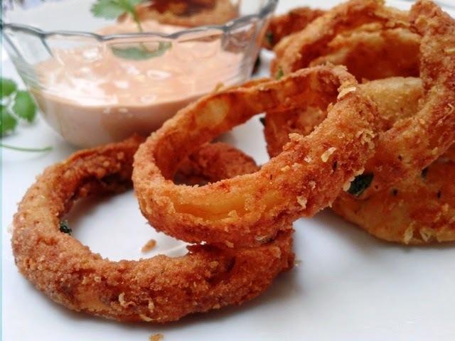 Onion rings - Anéis de cebola empanados crocantes