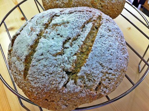 Pão Rústico de Cevada e Linhaça Dourada...e Lembranças Olfativas deliciosas!