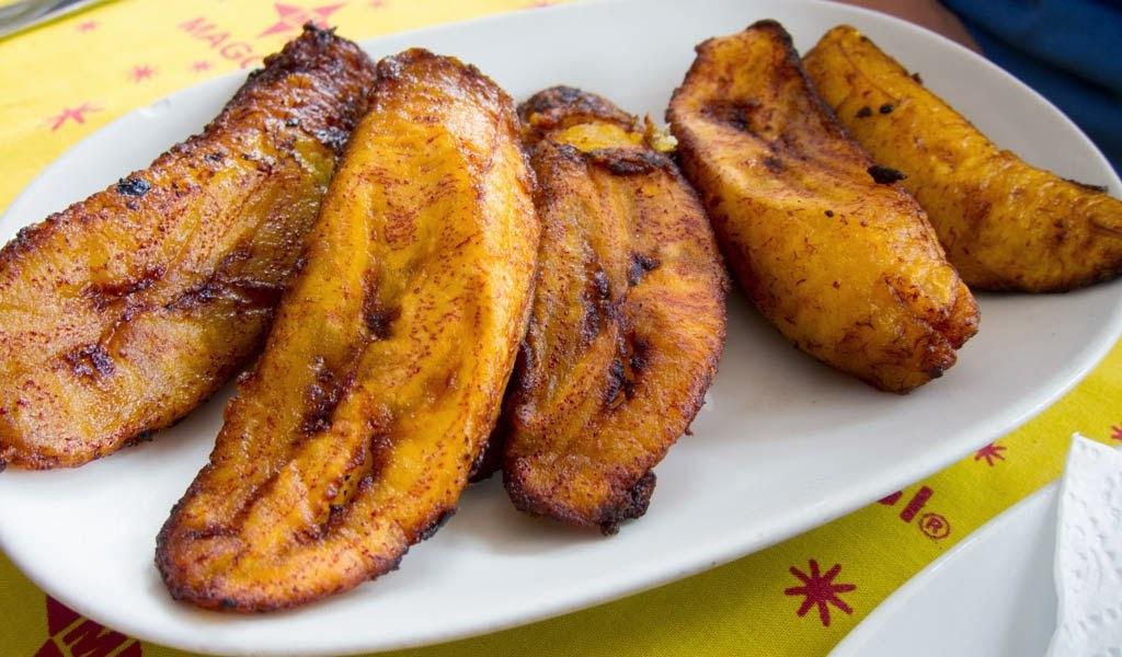Recette de bananes plantain frites, kelewele (Ghana)
