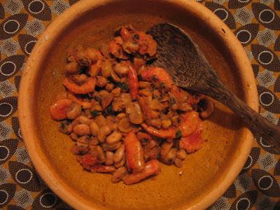 Feijão fradinho com camarão seco