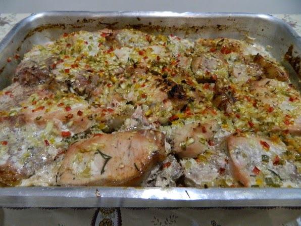 Lombo Assado com Chutney de Abacaxi e Salada fria de Macarrão