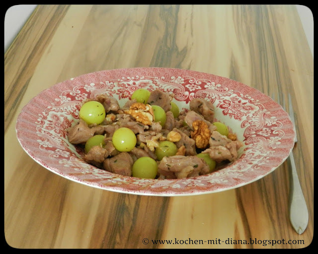 Lammragout mit Trauben/ Lamb stew with grapes