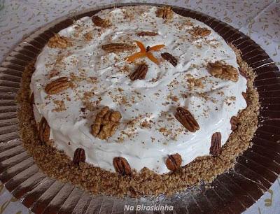 Torta de Nozes com Ovos Moles
