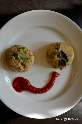 Semolina Upma : Simple Rava Upma.