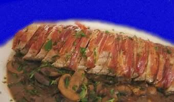 Lomo de cerdo relleno de pate y hongos