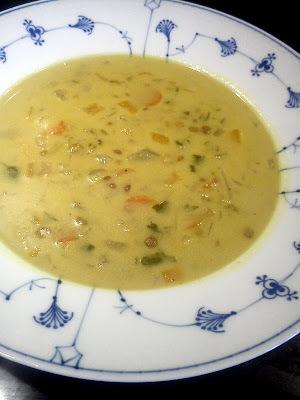 Grøn linsesuppe med kokosmælk og  krydderier