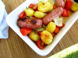 Linguiça Assada com Batata e Cenoura