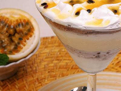 Mousse de Chocolate com Creme de Maracujá