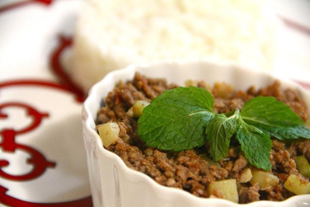 Carne Moída Diferente - com abobrinha e hortelã