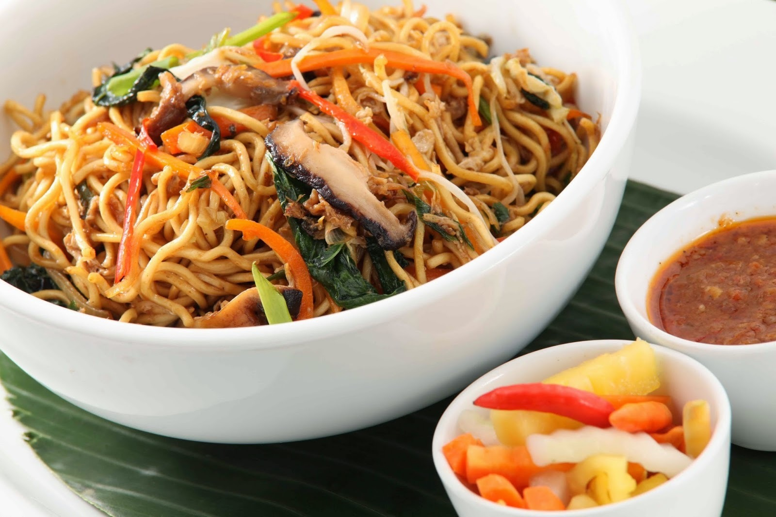 Hakka Noodles in easy steps